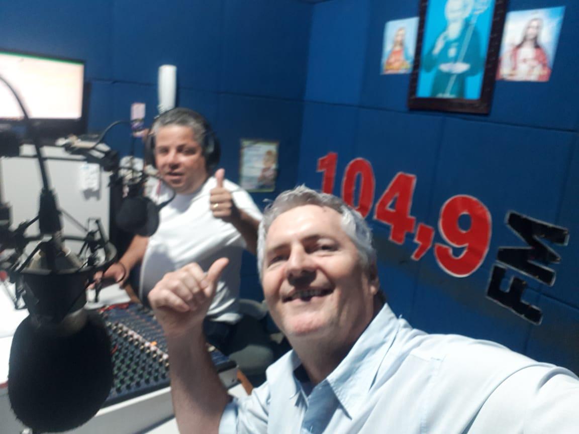 Londrina - Presidente da Associação de Engenheiros, Arquitetos e Agrônomos do Norte Pioneiro Engenheiro Agrônomo, Roberto Simões, em entrevista ao vivo para a rádio 104 FM Cambará na manhã desta terça-feira.