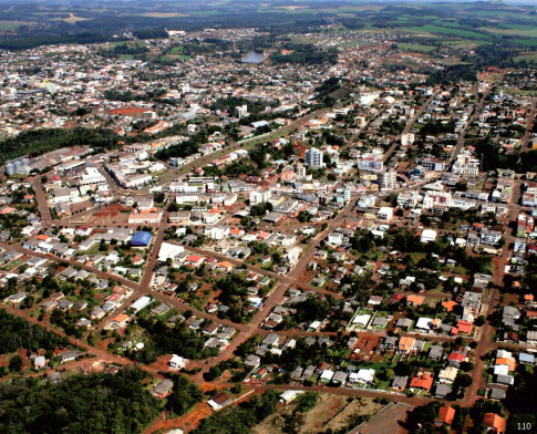 Regional Pato Branco - Candidatos a prefeito de Dois Vizinhos recebem materiais do programa Agenda Parlamentar